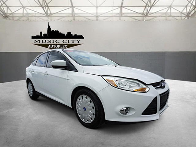 Certified Pre-Owned 2012 Ford Focus SE