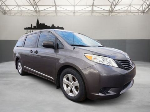 Certified Pre-Owned 2011 Toyota Sienna Base